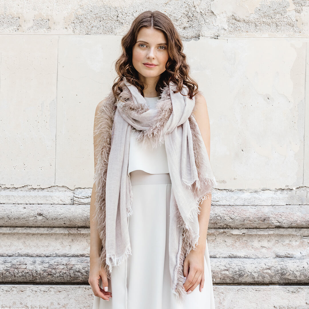 Women with Scarf | The Mustcard