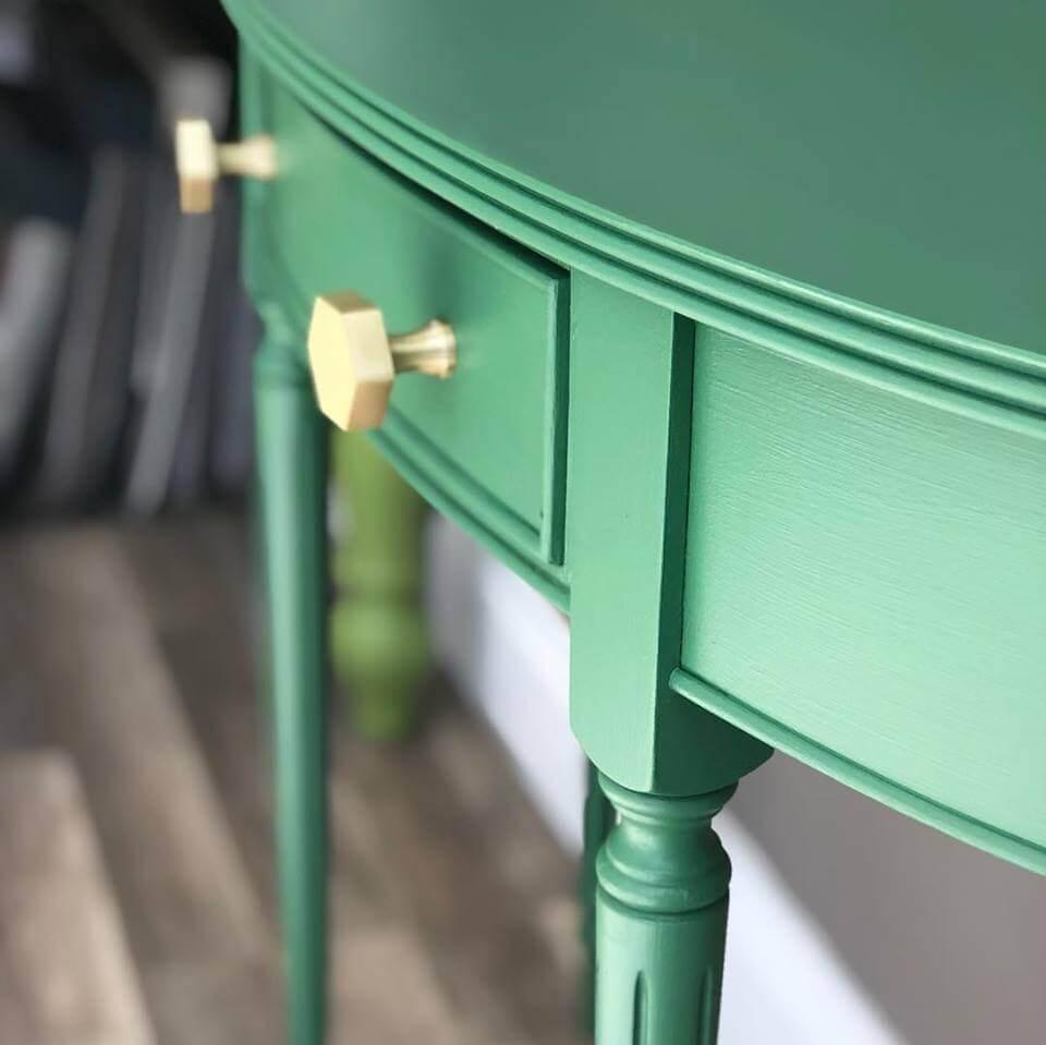 Green Dresser | The Mustcard