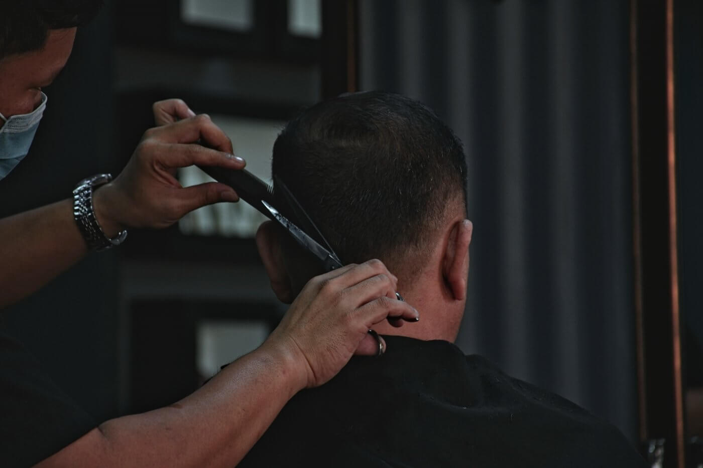 Cutting Hair | The Mustcard