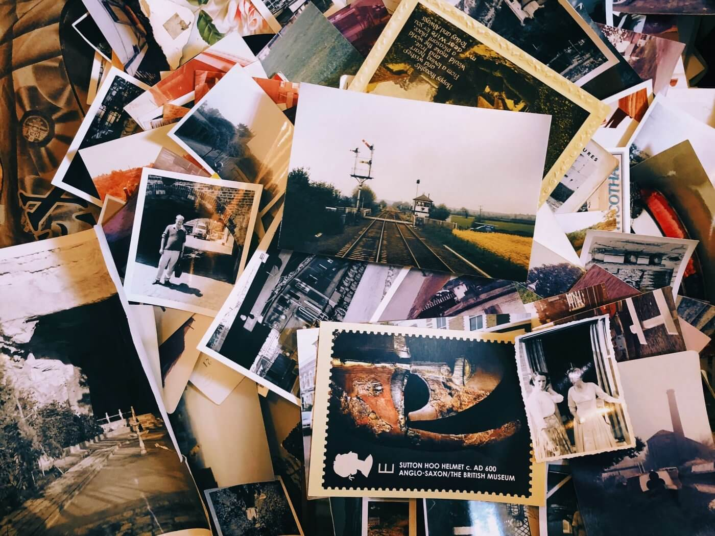 Postcards | The Mustcard