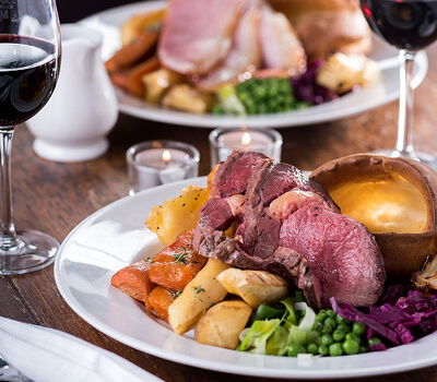 Roast Dinner | The Mustcard