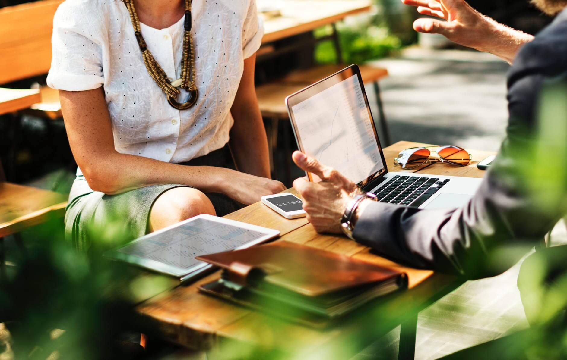 Informal Meeting | The Mustcard