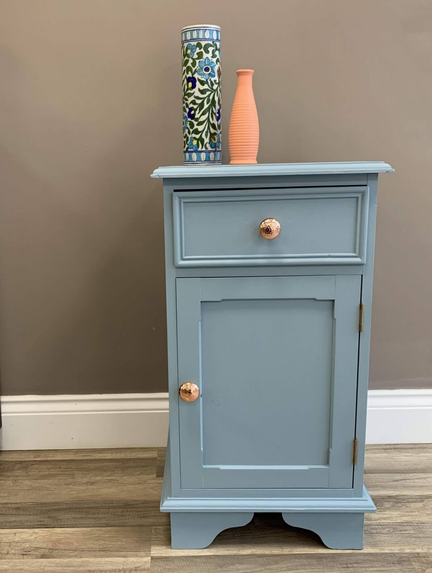Bedside Table | The Mustcard