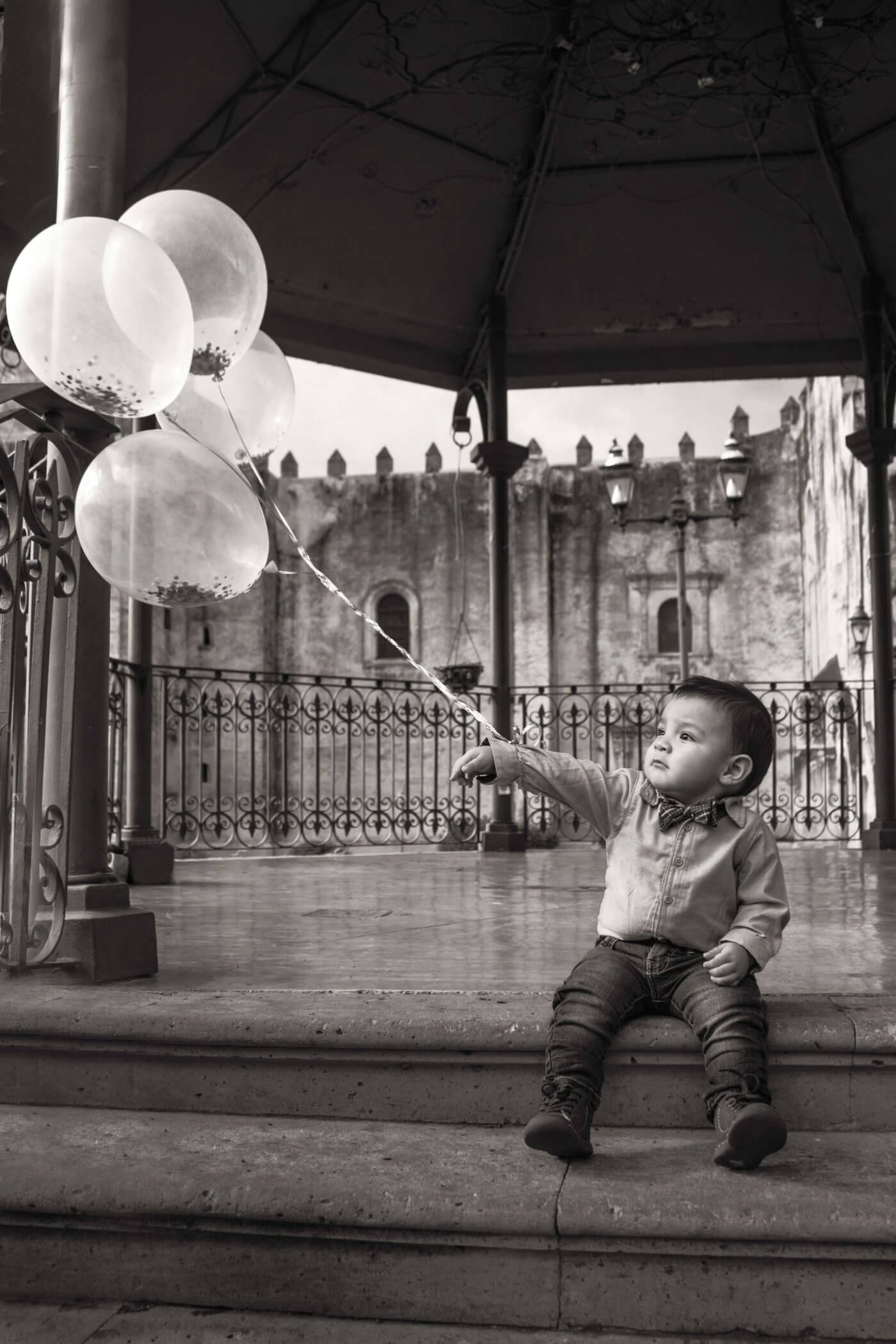 Baby with Balloons | The Mustcard