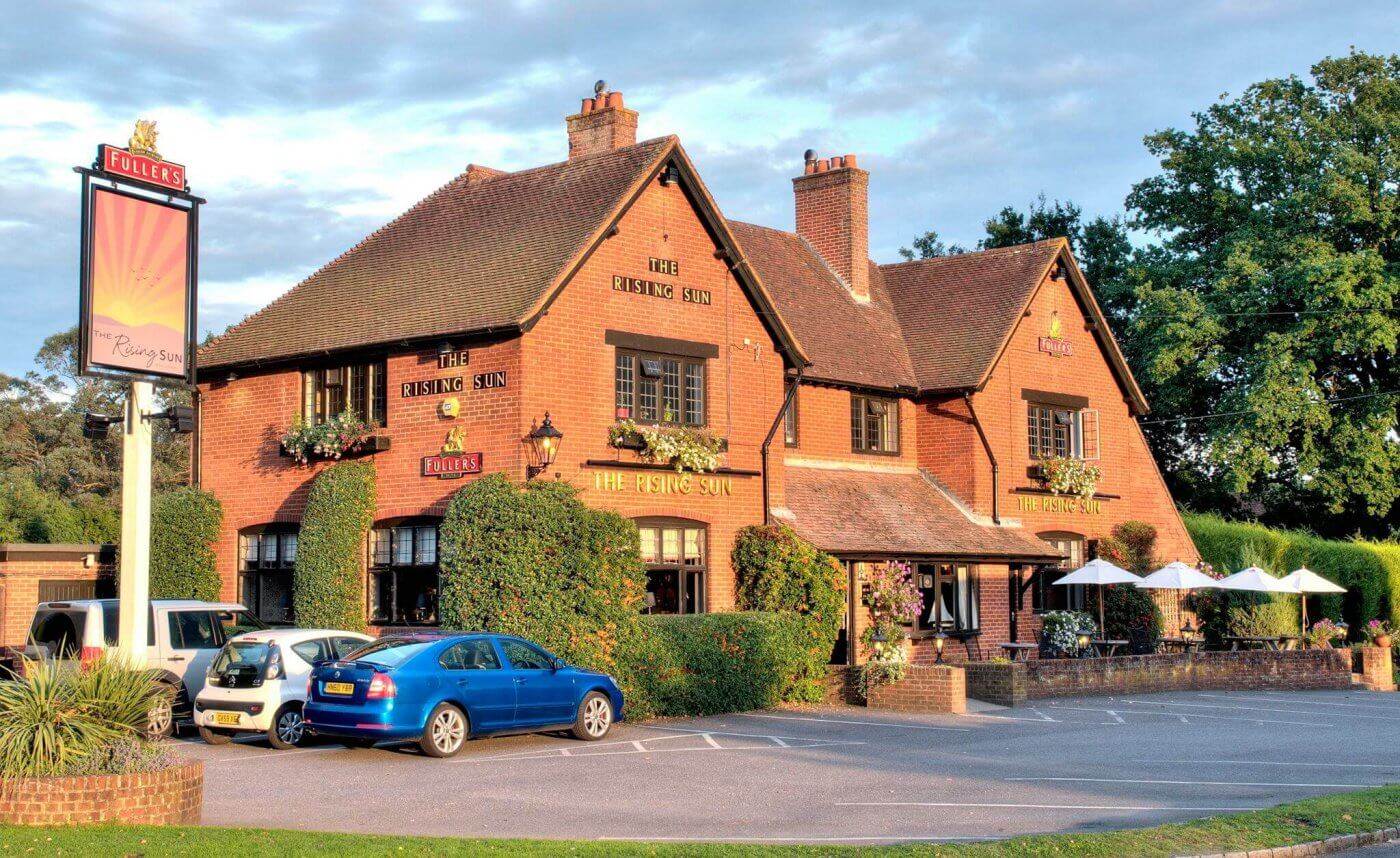 The Rising Sun Pub | The Mustcard