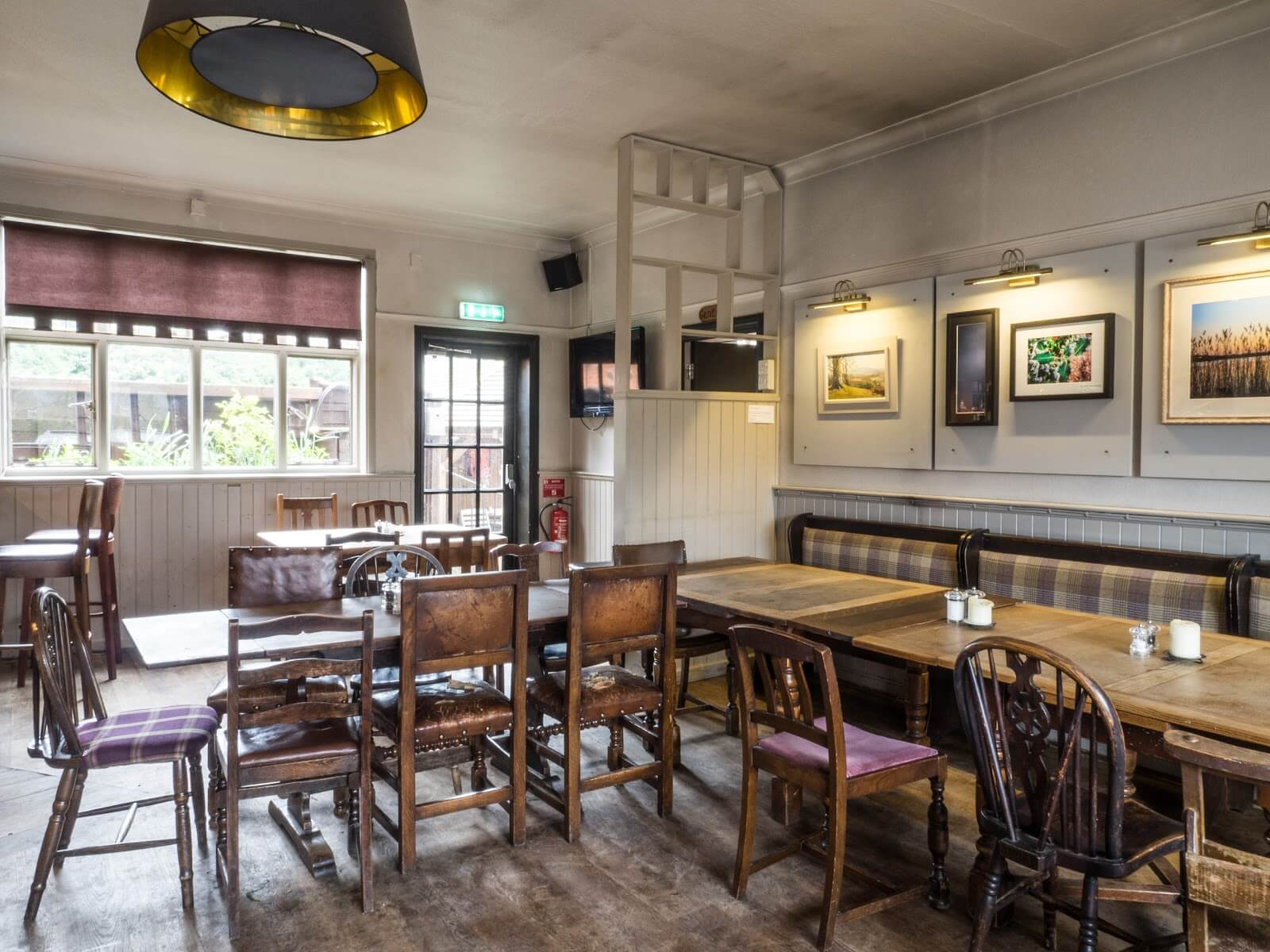 Restaurant Dining Area | The Mustcard