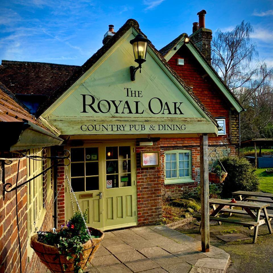 The Royal Oak Entrance   The Mustcard