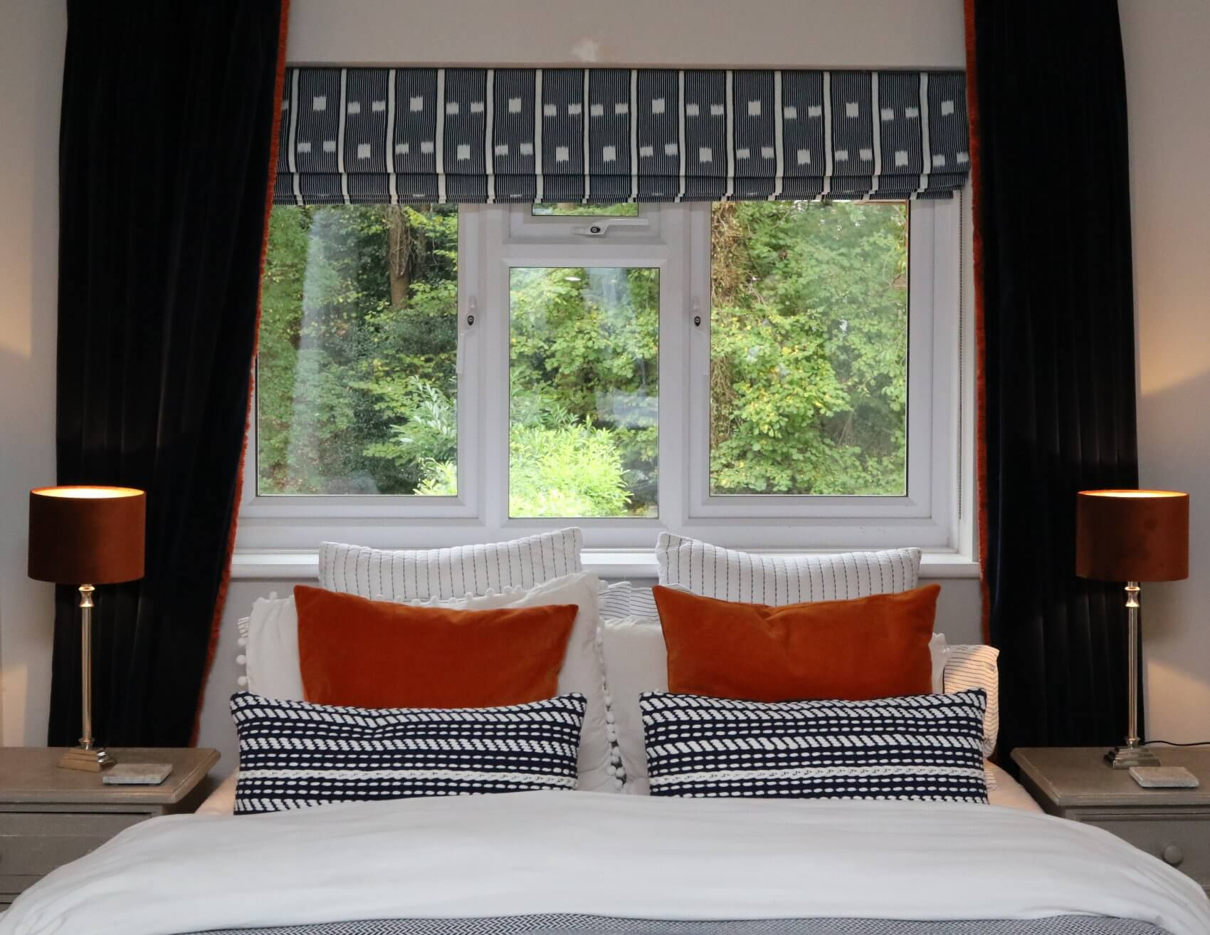 Double Bed with Window | The Mustcard
