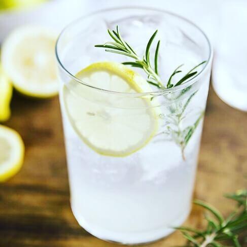 Gin & Lemon | The Mustcard