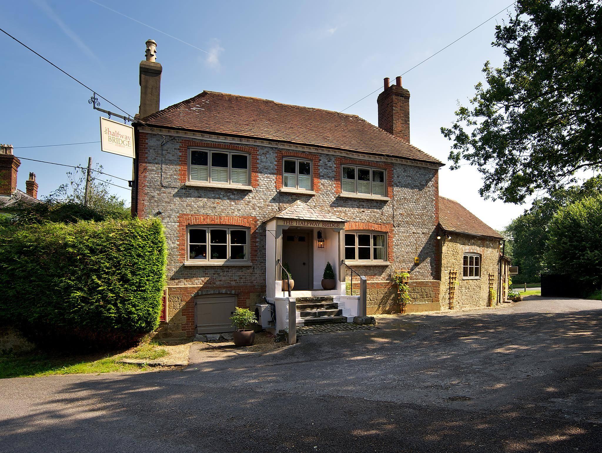 The Halfway Bridge Inn | The Mustcard