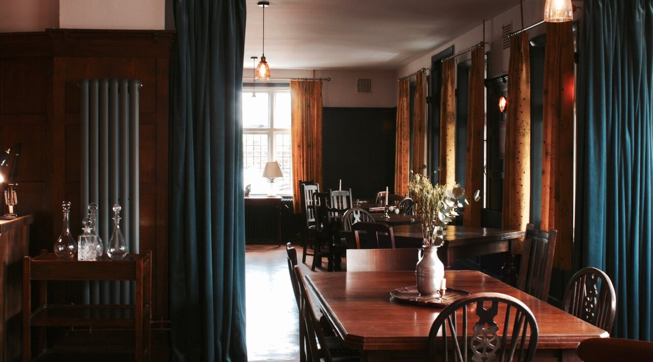 The Ship Inn Dining Area | The Mustcard