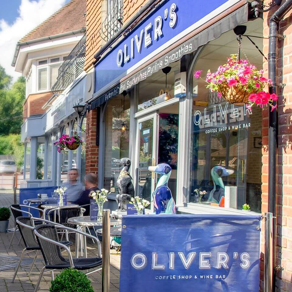 Oliver's Cafe | The Mustcard