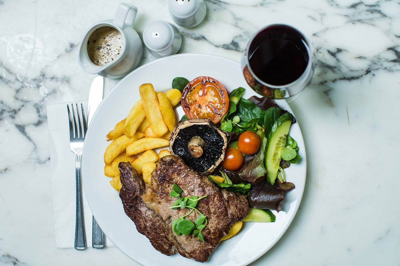Steak & Chips   The Mustcard