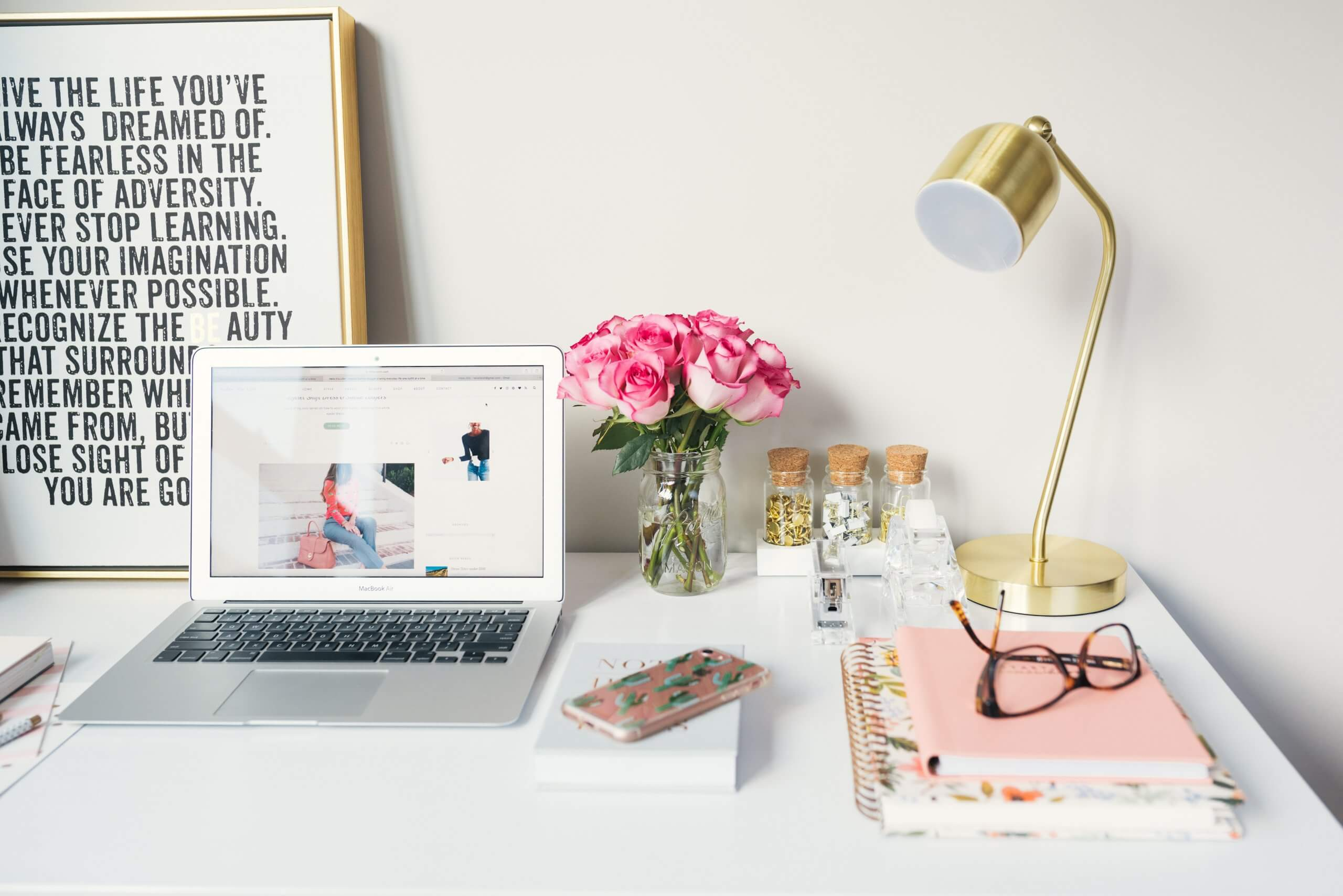Work Desk | The Mustcard