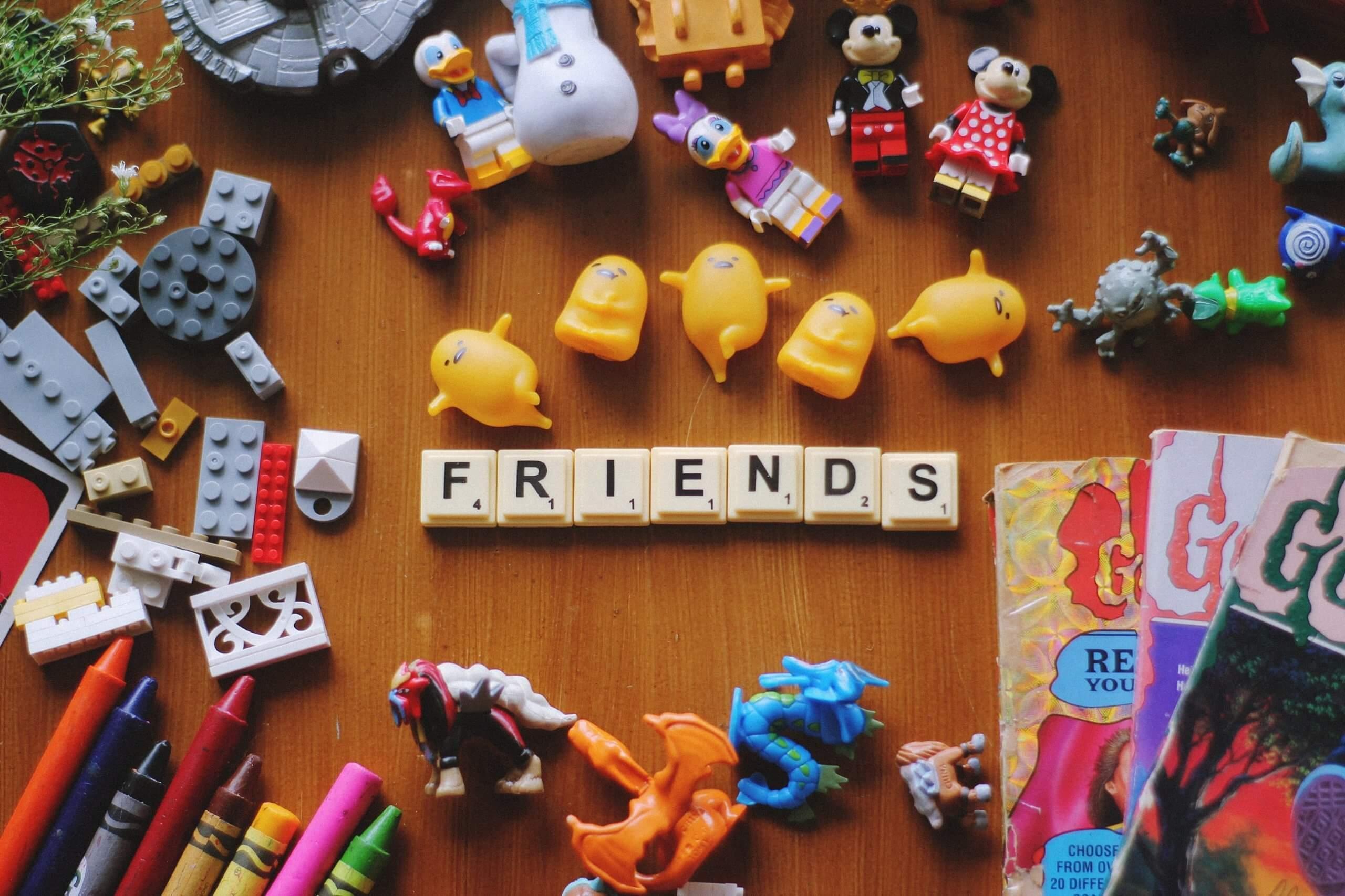 Friends Scrabble | The Mustcard