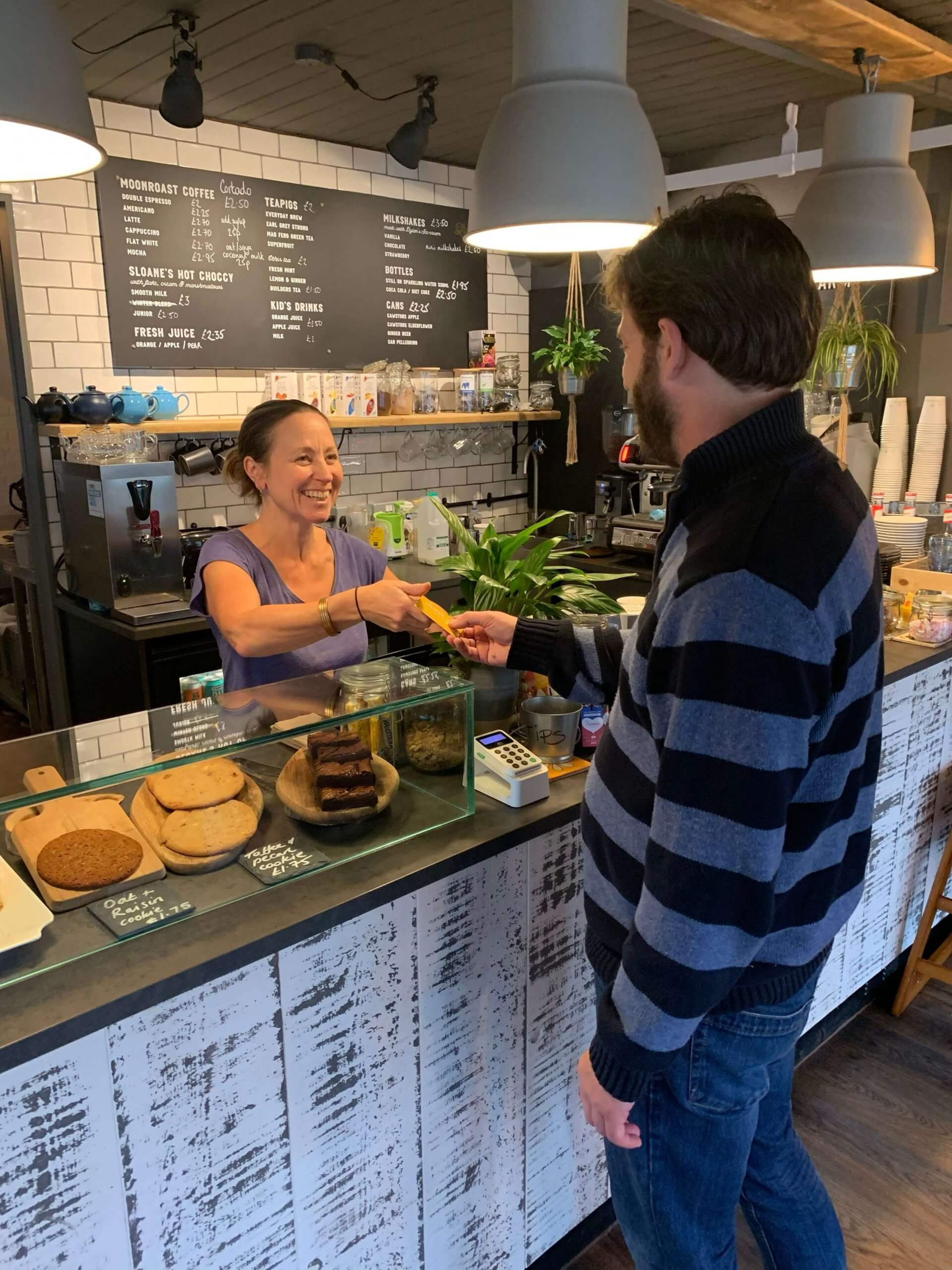 Serving in a Cafe | The Mustcard