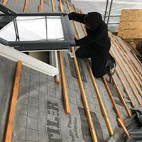 Fitting Roof Tiles | The Mustcard